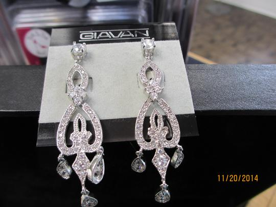 Giavan Cz Chandelier Earrings Ske951 (e-39)