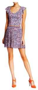 BCBGeneration Mini Skirt Pastel floral coral combo