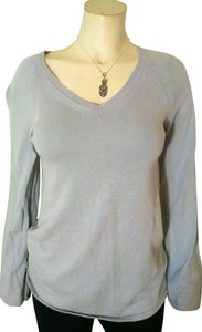 Calvin Klein Knit Size X-small V-neck Stretchy P1181 Sweater