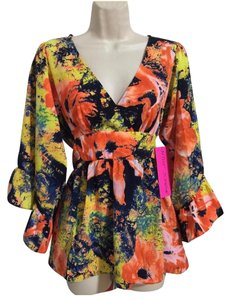 Betsey Johnson Top Apricot Floral