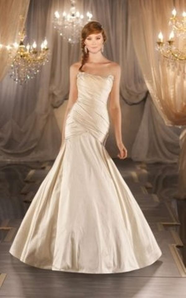 Martina liana 378 wedding dress on sale 59 off wedding for Best way to sell used wedding dress