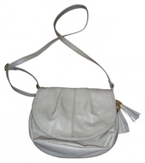 Preload https://img-static.tradesy.com/item/181493/h-and-m-gray-faux-leather-cross-body-bag-0-0-540-540.jpg