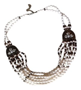 Other White multi-layered necklace
