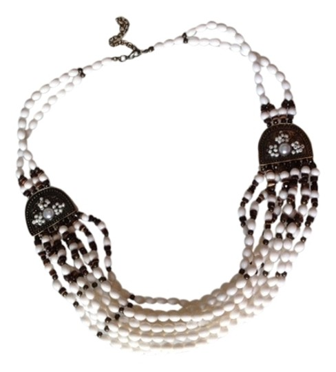 Preload https://img-static.tradesy.com/item/1815036/white-multi-layered-necklace-0-0-540-540.jpg