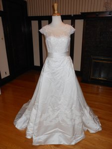 Pronovias Ivory Satin Iodice Destination Wedding Dress Size 10 (M)