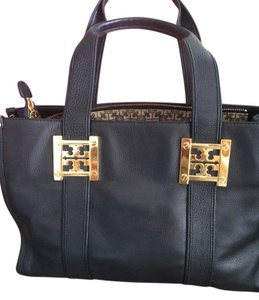 Tory Burch Tote in black with gold hardware
