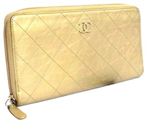 Chanel Auth CHANEL CC Logo Champagne Goldtone Leather Zip around Wallet