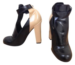 Jill Stuart Patent Leather Ankle Strap Black and Tan Pumps
