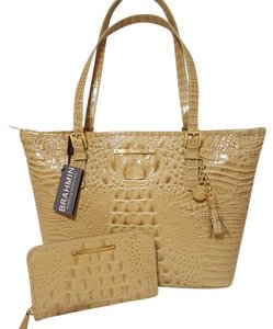 Brahmin Leather Med/lge Suri Wallet Beige Tote in TWILL/PECAN