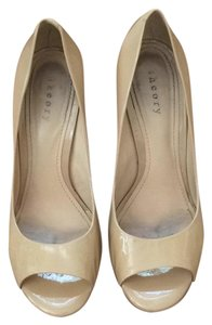 Theory Nude Pumps