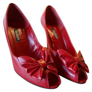 Nickels All Leather Unique Style Italian Made Quality RED Pumps