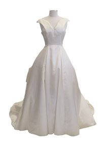 Olga - #9021 Wedding Dress