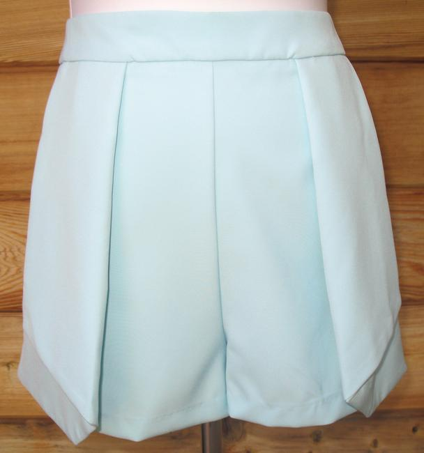 Preload https://item5.tradesy.com/images/do-and-be-aqua-and-large-origami-w-pockets-new-skort-size-12-l-32-33-1816394-0-0.jpg?width=400&height=650