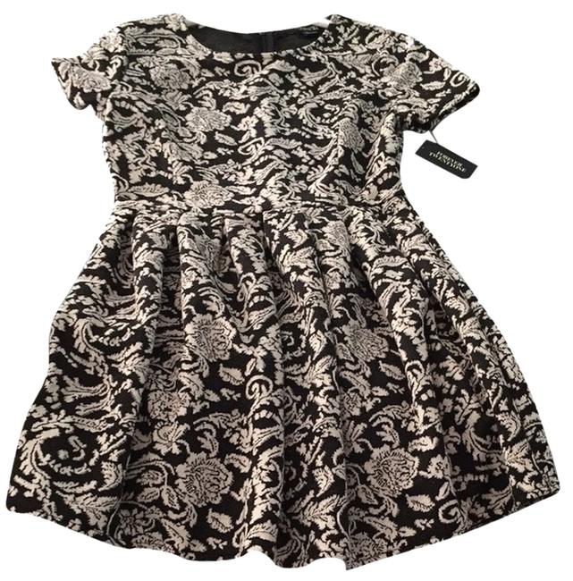 Preload https://item5.tradesy.com/images/forever-21-night-out-dress-size-4-s-1816419-0-0.jpg?width=400&height=650