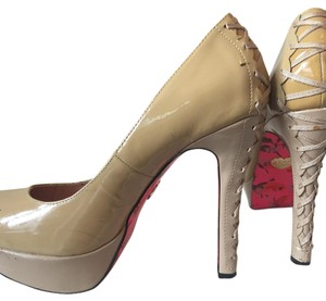 Betsey Johnson Beige nude Platforms