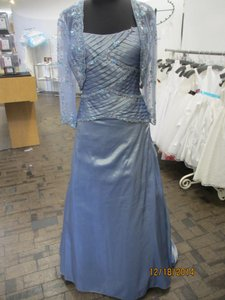 Montage Wedgewood Iridescent Taffeta 18932 (Mon-1) Formal Bridesmaid/Mob Dress Size 16 (XL, Plus 0x)