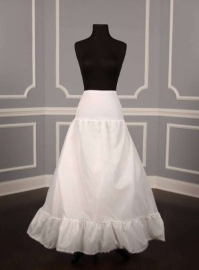 Preload https://item1.tradesy.com/images/white-aline-style-slip-petticoat-size-large-181680-0-0.jpg?width=440&height=440