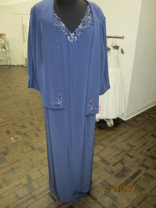 Montage Blue Willow Silky Crepe 212943 (Mom-1) Formal Bridesmaid/Mob Dress Size 22 (Plus 2x)