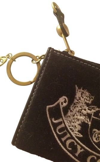 Preload https://item1.tradesy.com/images/juicy-couture-black-keychain-wallet-181700-0-0.jpg?width=440&height=440