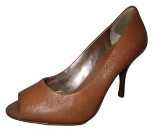 Banana Republic Leather Peep Toe Open Toe British tan Pumps