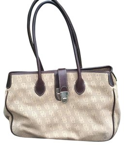 Dooney & Bourke And Leather Monogram Signnature Tote in Brown/ Beige