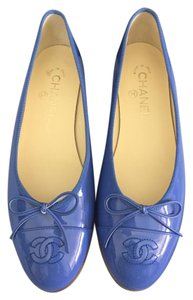 Chanel Patent Leather Patent Leather Classic Cc Blue Flats
