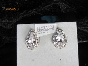 Giavan Teardrop Crystal Stud Earrings L575e (e-43)