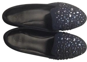Beautiful vera wang navy blue flats! Worn few times in great condition. Flats