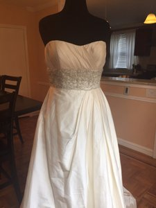 Casablanca Ivory Silk Shantung B024 Traditional Wedding Dress Size 14 (L)