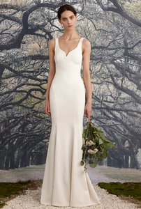 Nicole Miller Bridal Ivory Silk Abigail Traditional Wedding Dress Size 4 (S)
