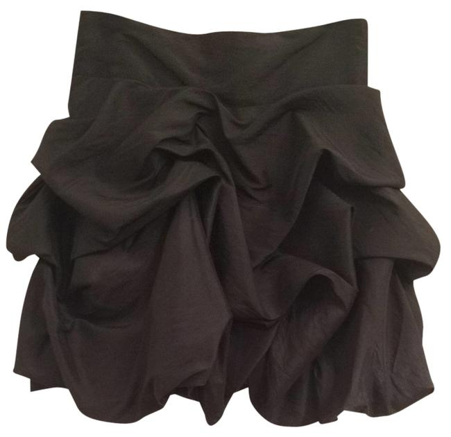 Preload https://item3.tradesy.com/images/romeo-and-juliet-couture-skirt-black-1818462-0-0.jpg?width=400&height=650