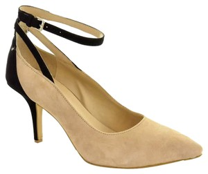 BCBGeneration BLACK & NUDE Pumps