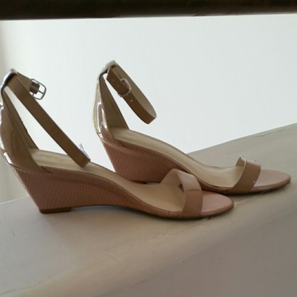 babc78b5cac7 Nine West Taupe  Nude Small Wedge Sandals Size US 7.5 Regular (M
