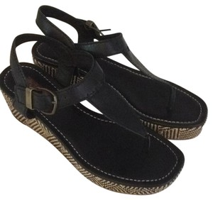 7 For All Mankind Black w woven sides Platforms