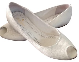 Brooks Brothers Summer White Flats