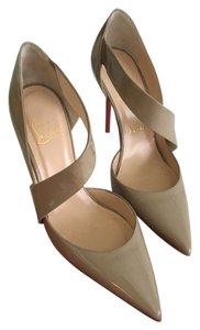 Christian Louboutin Beige/Nude Pumps