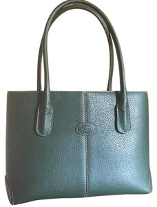 Tod's Tote in Green