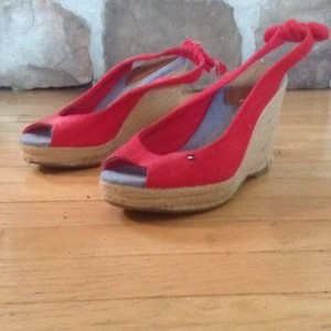 Tommy Hilfiger Red and tan Wedges