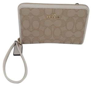 Coach SIGNATURE C BEIGE ZIP AROUND WRISTLET NEW