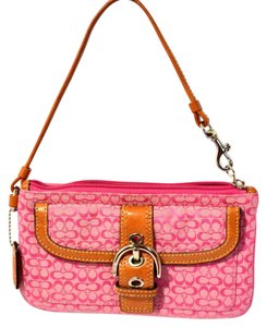 Coach 40585 Buckle Wristlet in Pink