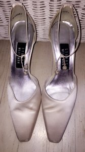 Stuart Weitzman Stewart Weitzman Jezebella Wedding Shoes