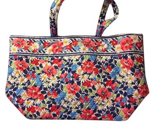 Vera Bradley Tote in Summer Cottage