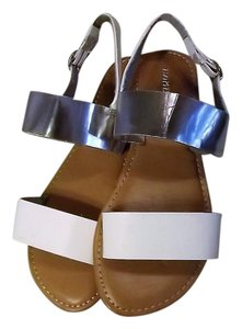 Bamboo New Size 7 Mirror & White Sandals