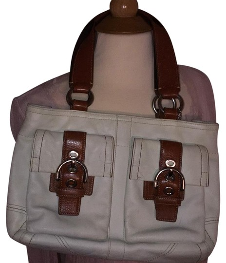 Preload https://item4.tradesy.com/images/coach-purse-whitebrown-leather-shoulder-bag-181983-0-3.jpg?width=440&height=440