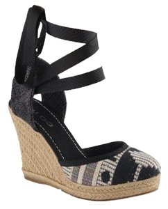 ALDO Size 39 Espadrille Aztec Lace Up Craver black Wedges
