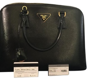 Prada Satchel in Black. Nero