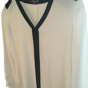 Vince Camuto Top Cream with black