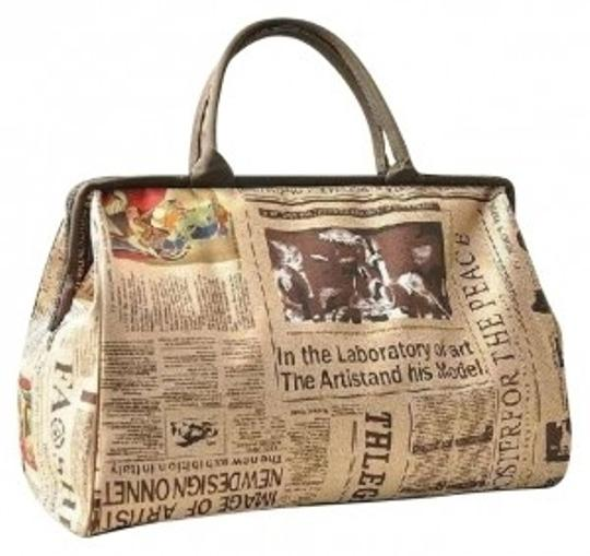Preload https://item1.tradesy.com/images/carry-on-overnight-huge-purse-eclectic-newspaper-print-white-black-vinyl-weekendtravel-bag-182060-0-0.jpg?width=440&height=440