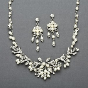 Mariell Silver Vine Bridal Necklace And Earrings Set With Freshwater Pearls 4429sc-s