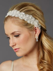 Mariell Fine European Lace Scalloped Bridal Heaband With Baby Pearls 4456hb-lti